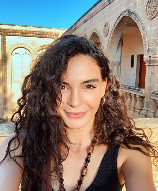 Hercai'nin Reyyan'ı Ebru Şahin'in paylaşımı binlerce beğeni aldı