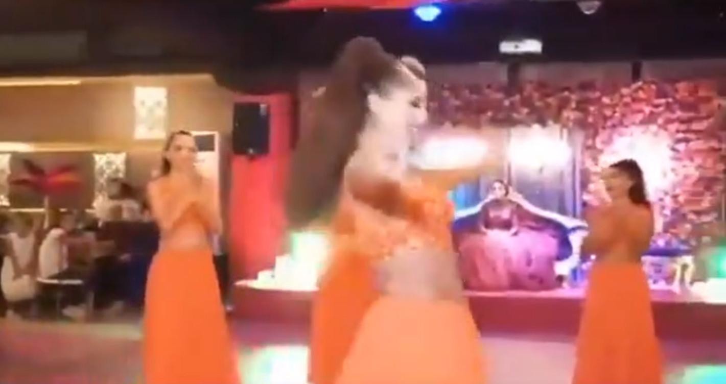Muhafazakar sosyeteden bu sefer de dansözlü kına gecesi