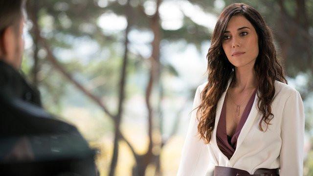 Cansu Dere'nin yeni dizisi Ferhat ile Şirin'den reytinglere hızlı giriş
