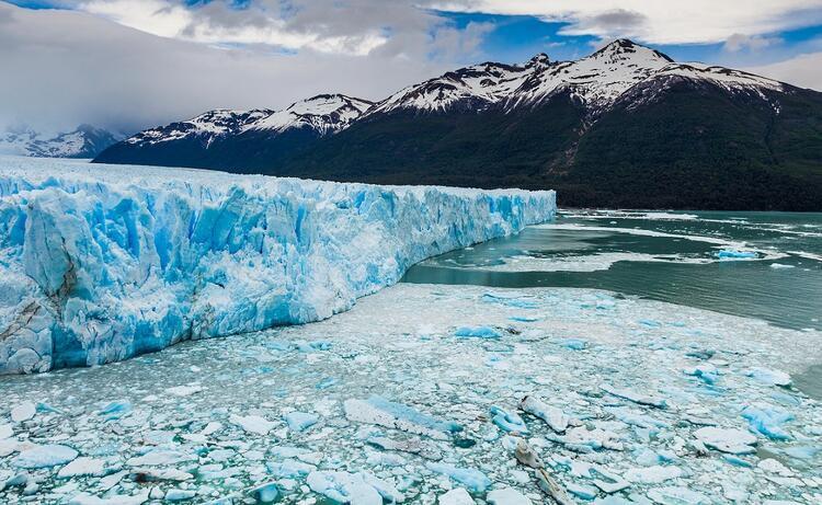 Dünyanın en büyük buz kutlesi eriyor