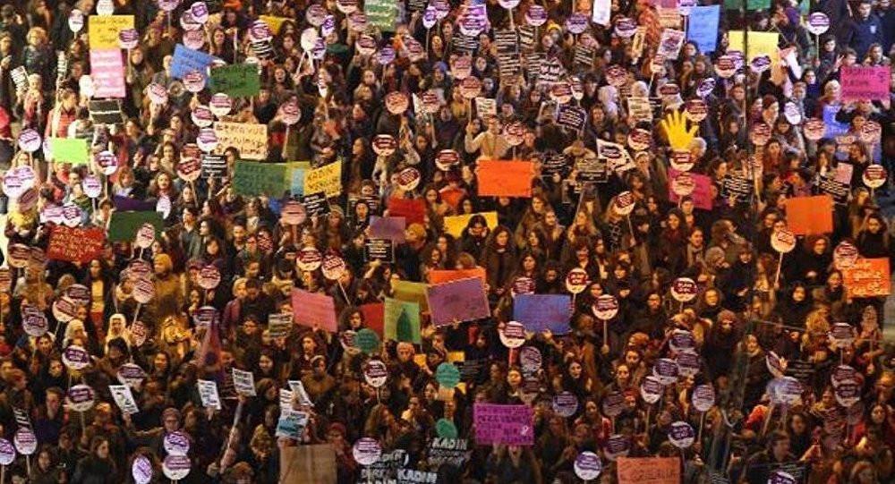 Beyoğlu Kaymakamlığı 25 Kasım yasağını kaldırdı
