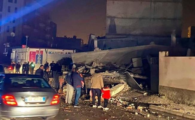 Arnavutluk'ta şiddetli deprem! Yıkılan binalar var!