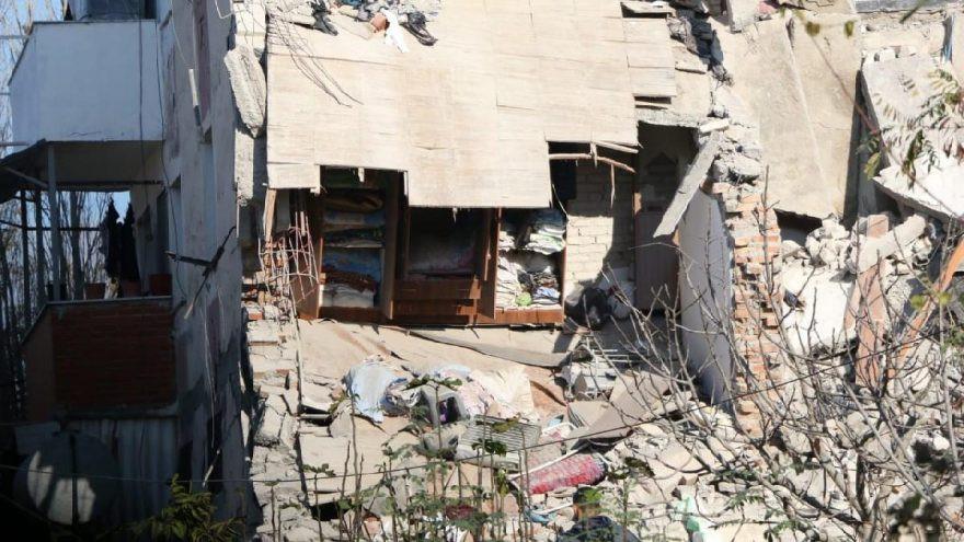 Arnavutluk'ta 6.4 büyüklüğünde deprem ! Ölü sayısı yükseldi