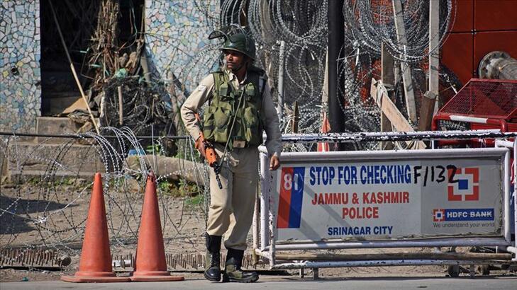 Hindistan'da bombalı saldırı: 2 ölü