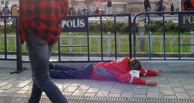 Taksim'de yürek burkan görüntü!
