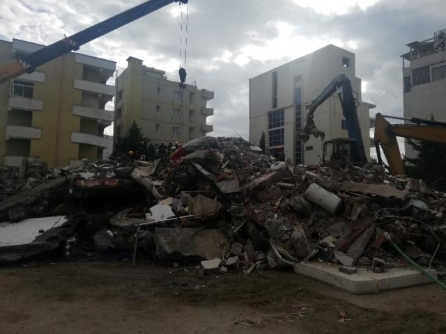 Arnavutluk depreminde ölü sayısı 41'e yükseldi