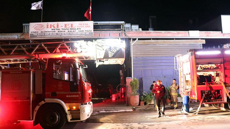 İzmir'de korkutan fabrika yangını