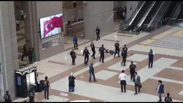 İstanbul Adalet Sarayı'nda intihar şoku !