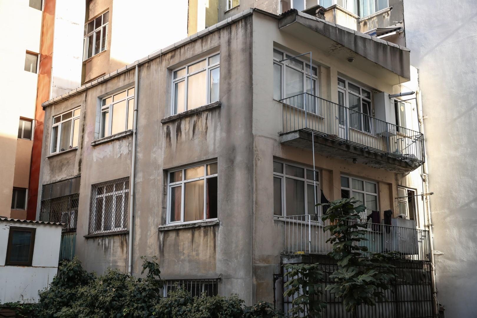 İstanbul'da 4 kardeşin ölü bulunduğu evden yürek parçalayan görüntüler