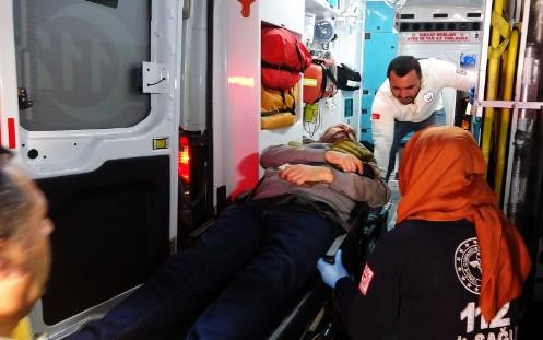 ''Dur'' ihtarına uymayıp polisi yaraladılar!
