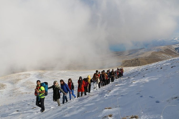 Nemrut Dağı'nda gizemli olay böyle fotoğraflandı