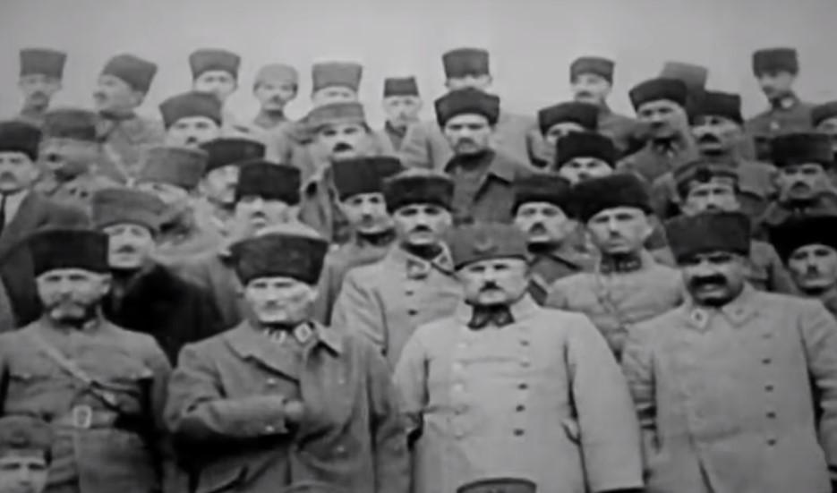 Sosyal medyayı sallayan ''10 Kasım'da Atatürk'e mesaj'' videosu...