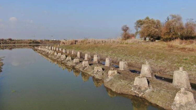 Yer: İstanbul... Barajda su seviyesi düşünce ortaya çıktı