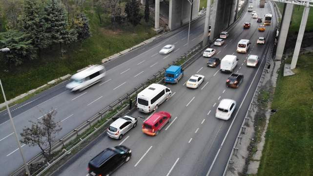 İstanbul'ta zincirleme kaza; trafik felç!