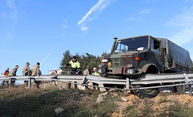 Askeri araç kaza çarptı: 8 asker yaralı