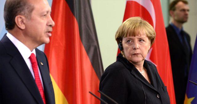 Erdoğan'ın sözleri Merkel'i tedirgin etti ! Türkiye'ye geliyor