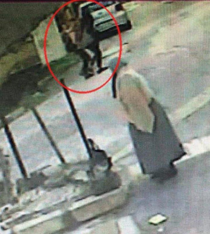 İzmir'de eşi tarafından öldürülen kadının son anları kamerada