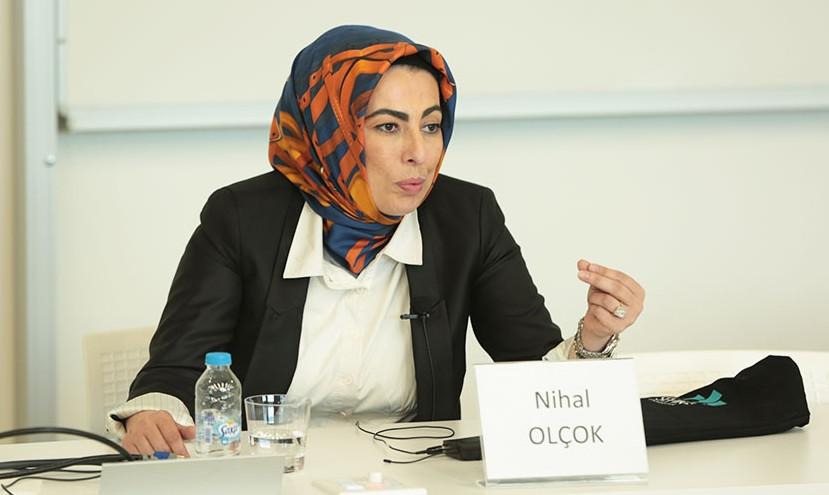 Nihal Olçok, Davutoğlu'nun partisine katıldı