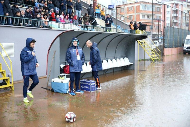 Kupada Hekimoğlu Trabzon-Medipol Başakşehir maçında ilginç olay