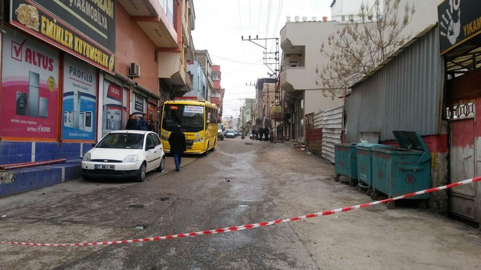 Gaziantep'te peşpeşe 3 patlama: Yaralılar var ! Ortalık savaş alanına döndü