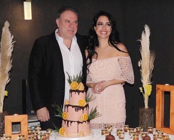 Burak Sergen ile Nihan Ünsal nişanlandı