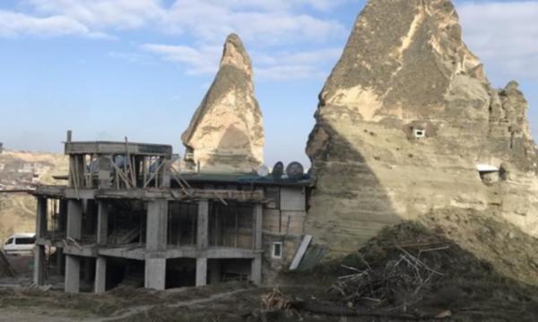 Kapadokya'daki tepki çeken inşaat yıkılıyor