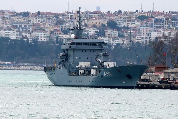 NATO'ya bağlı Alman gemisi İstanbul''da - Resim: 2