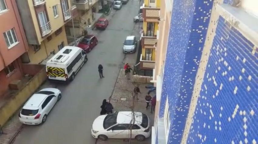 İstanbul'da dehşet anları ! Bıçaklı silahlı kavga kamerada