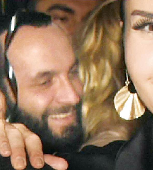 Berkay ile Ece Erken'in sarmaş dolaş görüntüleri olay oldu