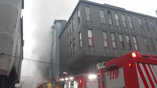 Bağcılar'da tekstil atölyesinde korkutan yangın