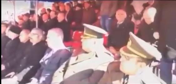 Skandal ! Protokol İstiklal Marşı'nda ayağa kalkmadı