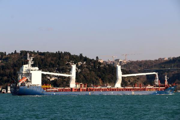 Suriye gemisi İstanbul Boğazı'ndan geçti