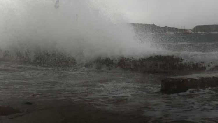 Hortumun vurduğu Antalya'da ''tam fırtına'' alarmı !