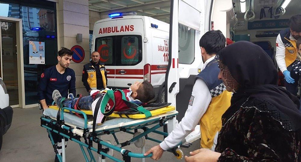 Bir bina daha çöktü: 3 çocuk yaralı