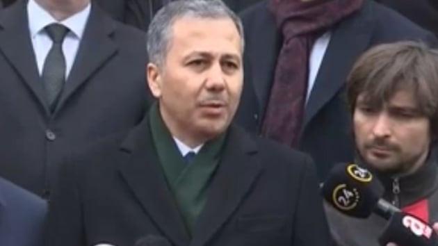 İstanbul Valisi: 7 bina boşaltıldı, çökme riski devam ediyor !