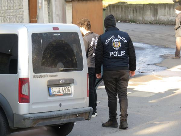 İstanbul'da film gibi kovalamaca ! Polis lastiklerine ateş etti