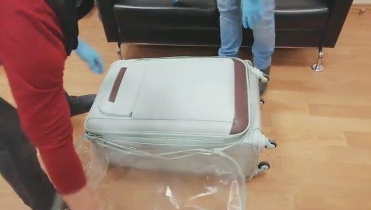 Hepsi valizden çıktı... Tam 300 bin lira !