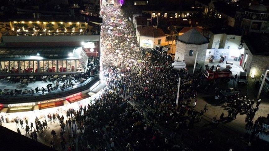 AK Parti'ye yakın isimden ezana ıslık yalanlaması