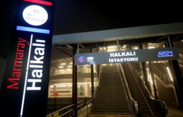 Yeni açılan Marmaray hattında ilk gün arızası !