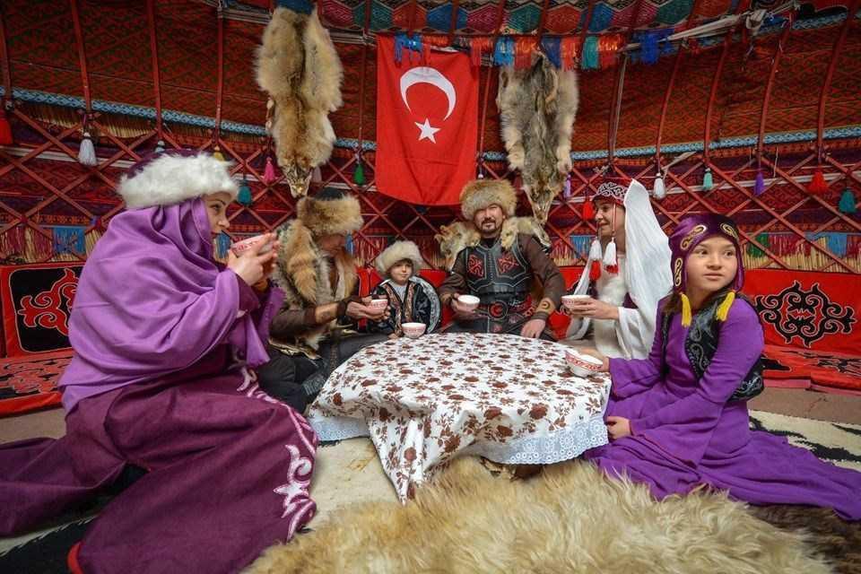 Kırgız Türkleri ''kökbörü''yü Van'da yaşatıyorlar