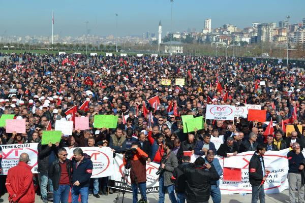 İstanbul'da EYT mitingi ! Binlerce kişi toplandı...