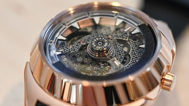 Ünlü saat markası, şikayet firmasından tazminat kazandı