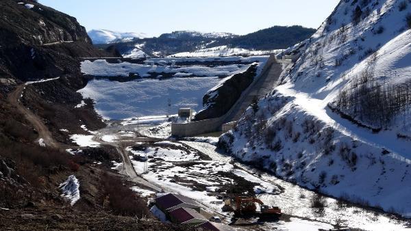 Sızıntı olan Alucra Barajı boşaltılıyor - Resim: 1