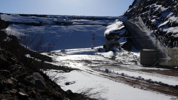 Sızıntı olan Alucra Barajı boşaltılıyor - Resim: 2