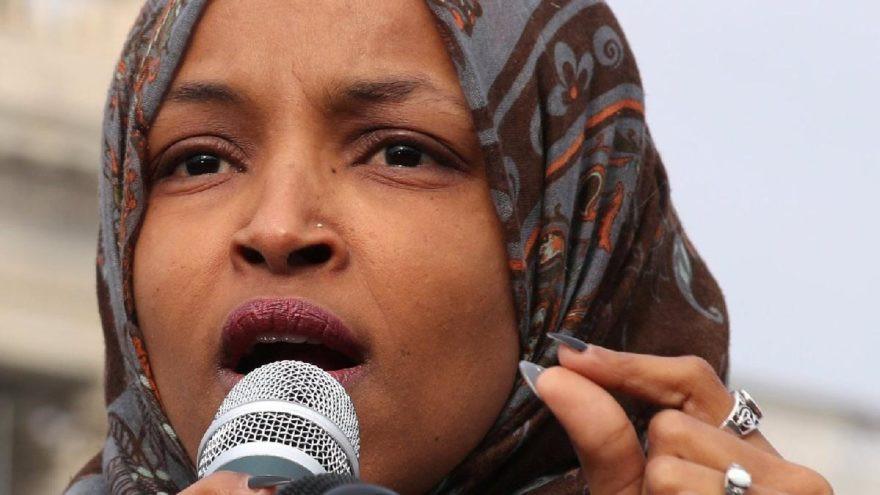 Skandal! Başörtülü Müslüman üyeye terörist benzetmesi