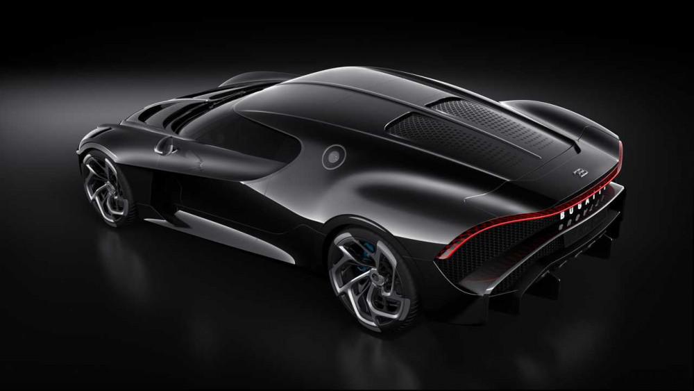 Canavar ortaya çıktı: Bugatti La Voiture Noire