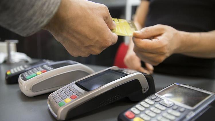 Kredi kartında taksit sayısı bir kez daha değişiyor