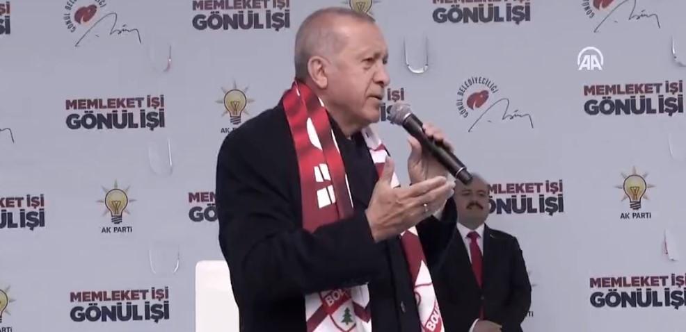Erdoğan: Yalan söylemek onun için çok kolay