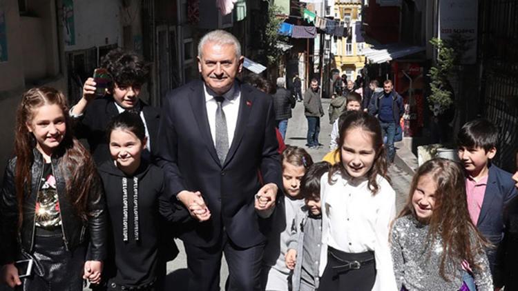 Binali Yıldırım'ın seçim karnesi: İstanbul'u iki kez baştan başa yürüdü