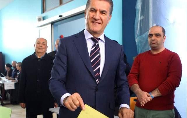 Mustafa Sarıgül oyunu kullandı: ''İşte demokrasi böyle bir şey...''